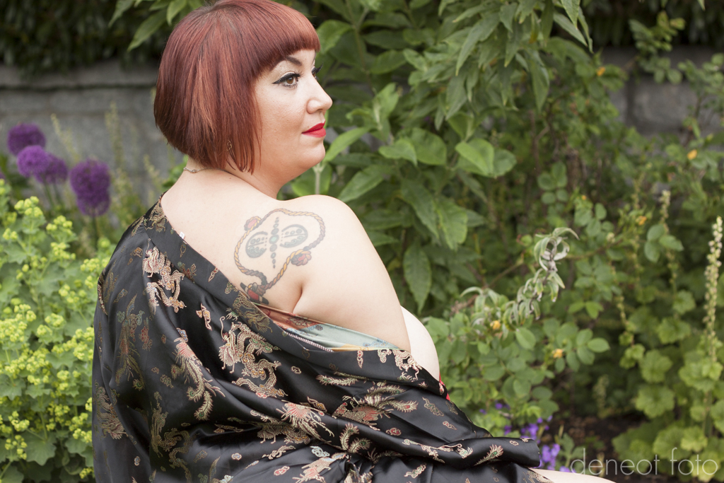 Minnie Peron - deneot foto - red boudoir nude park