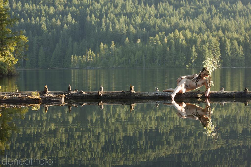 Lola Frost - deneot foto - Golden Lake Siren