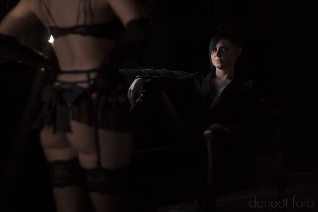 Audrey Hipturn & Kasey Riot - deneot foto - Leather & Fur
