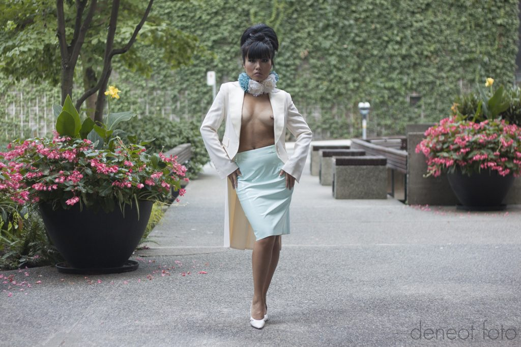 Saori Sloan - deneot foto - public nudes