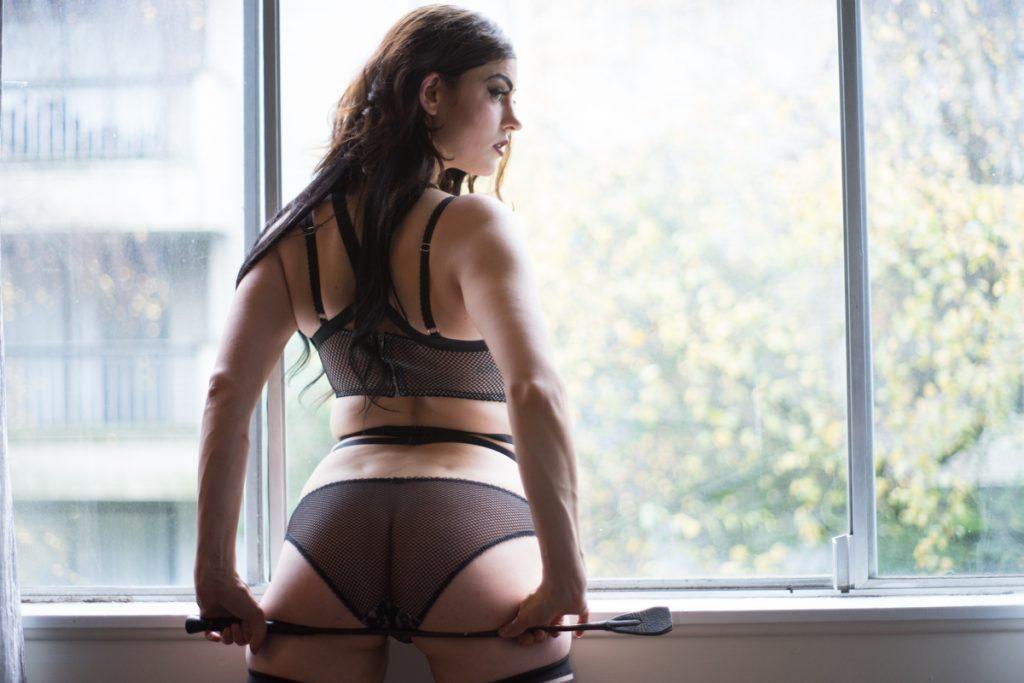 Delilah Diabolic in her bedroom - deneot foto